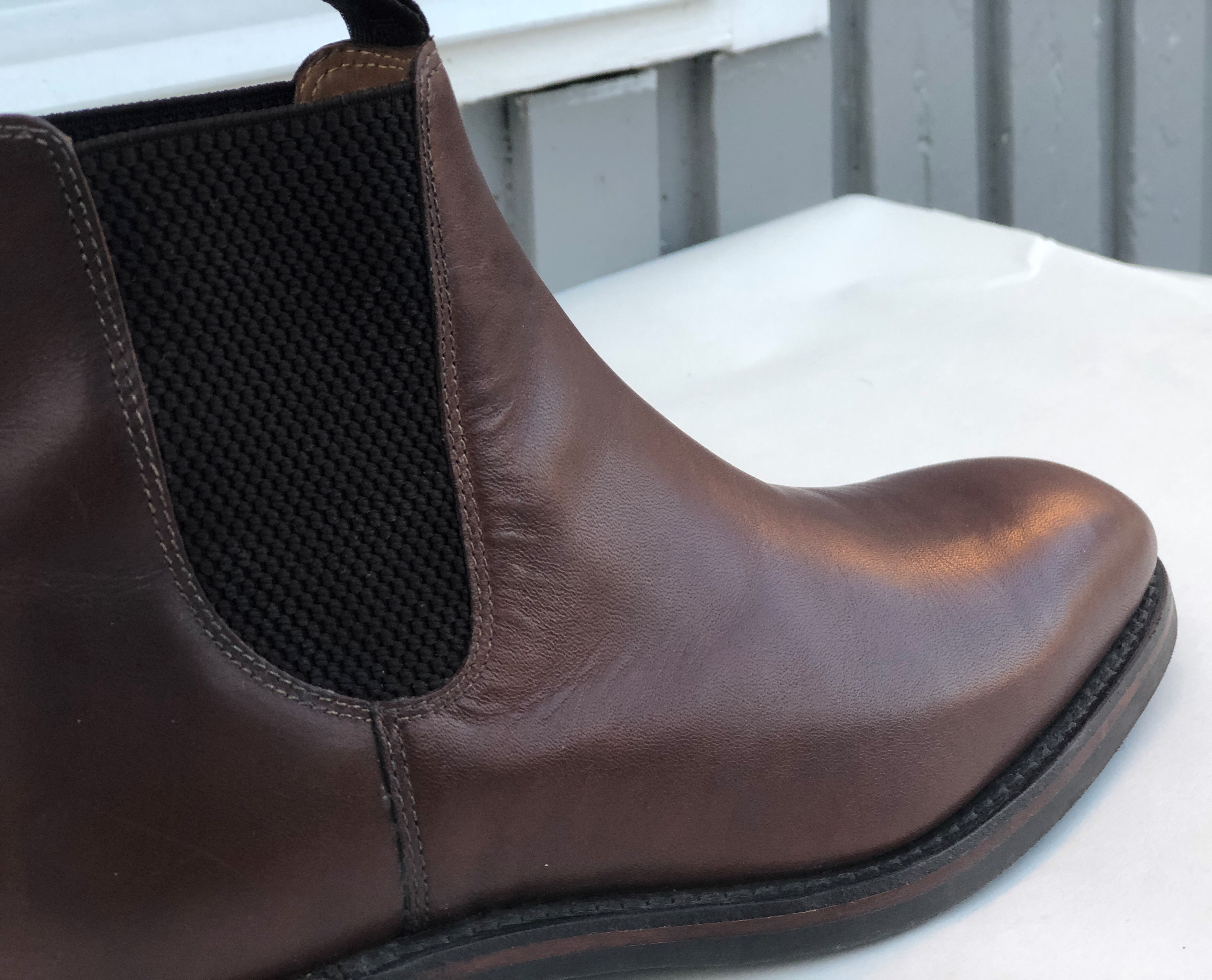 Review: Loake 1880 Chatsworth Chelsea Boots in Brown | Misiu