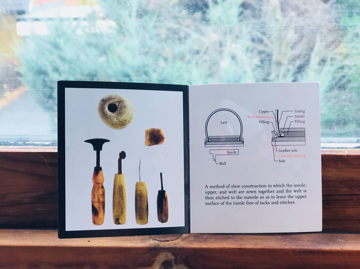 Carlos Santos Packaging Details