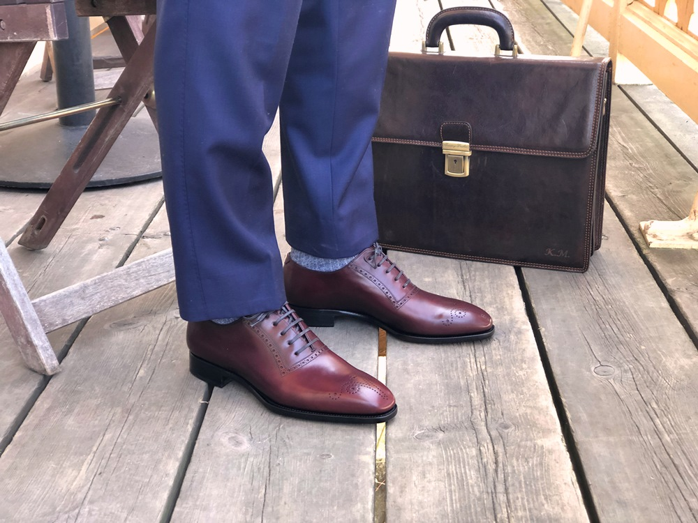 TLB Mallorca Artista 107 Picasso - Suit and Briefcase Look