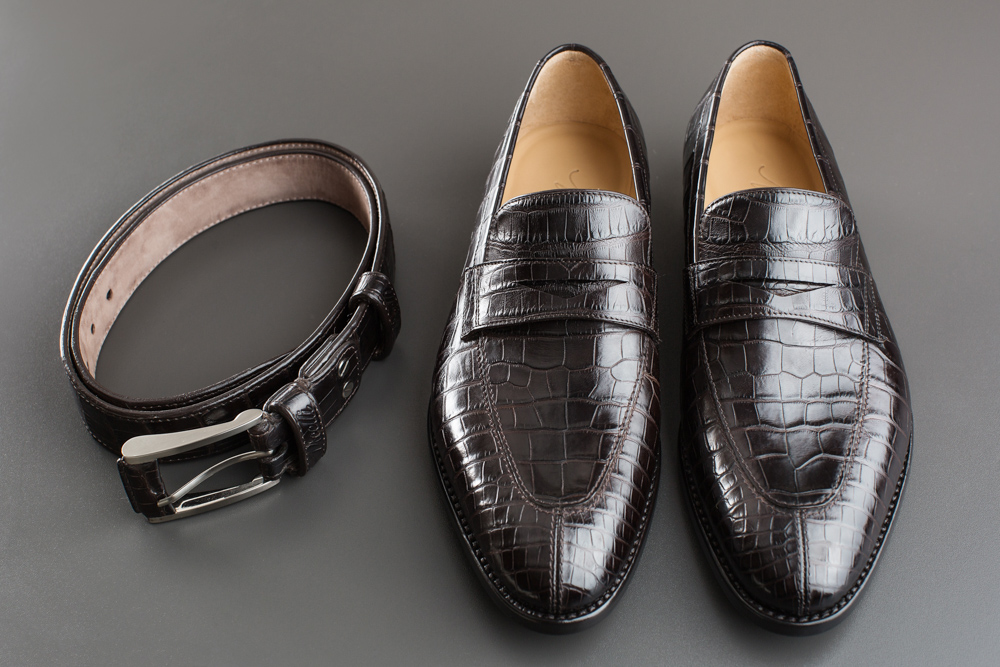 Vicelli matching loafers and belt