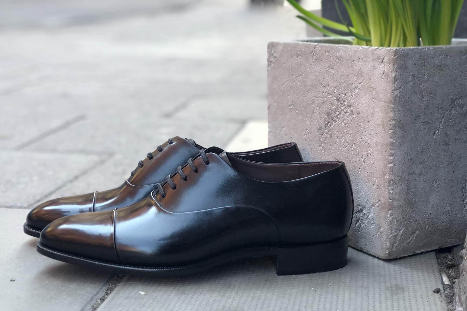 Carlos Santos 9899 Handgrade Oxford in Black Calf for The Noble Shoe Side