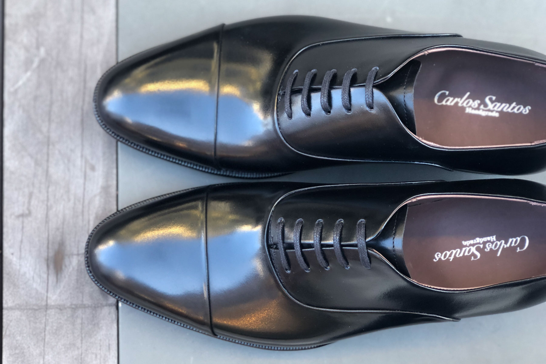 Carlos Santos 9899 Handgrade Oxford in Black Calf for The Noble Shoe Over the top View
