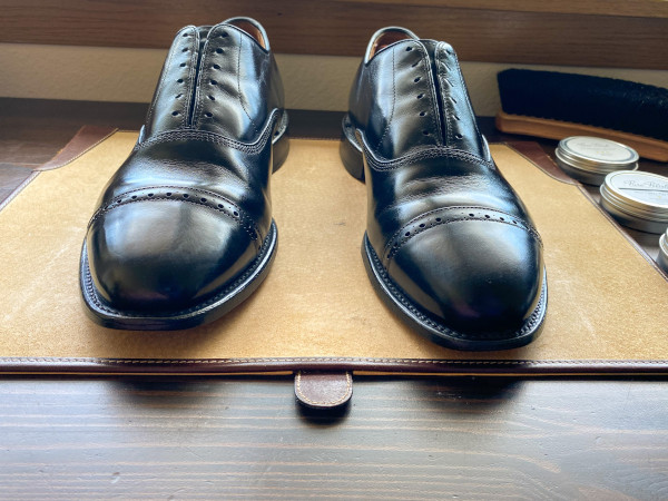 how to polish shoes - mirror shine guide 2