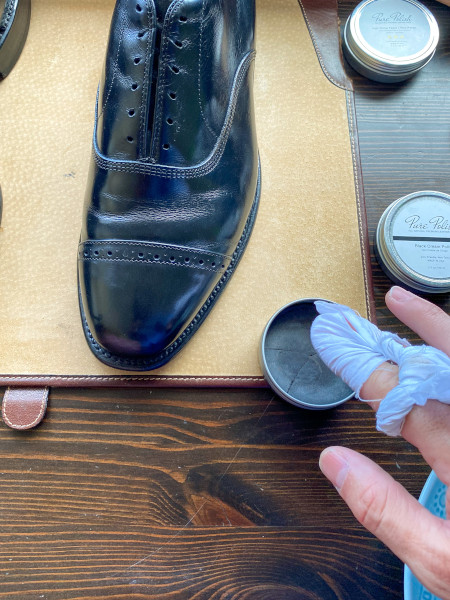 how to polish shoes - mirror shine guide 8
